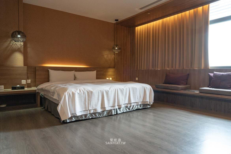 御品王朝旅店》雲林住宿|應該算是乾淨的汽車旅館,飯店很漂亮,房間超大!但早餐蠻弱的。